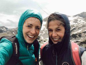 Girls in mountains Организирайте живота си. 5 стъпки за постигане на мечтите ви