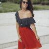 Къса плисирана пола в червено