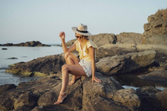 Блуза на жълто райе LUISA с волани