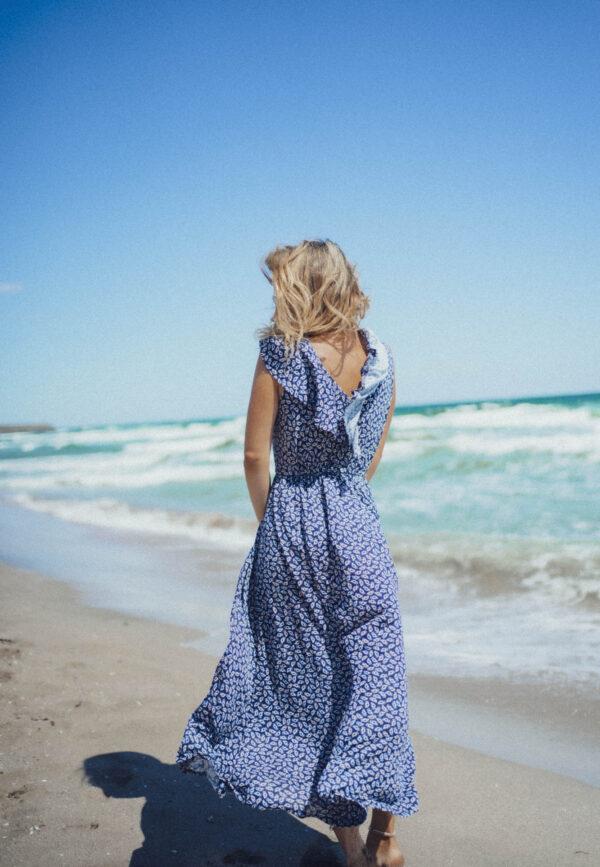 Дълга рокля SELENE на сини цветя
